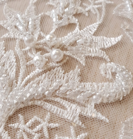 Ivory beaded lace fabric. Photo 2