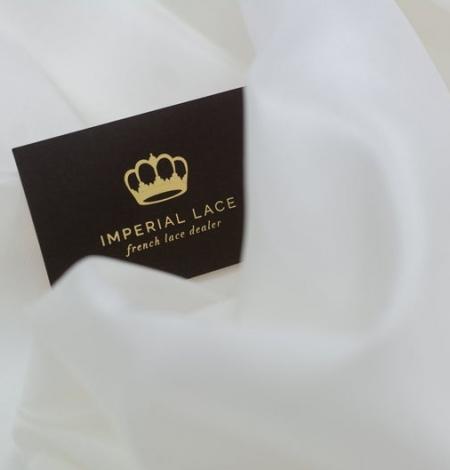 Ivory silk lining fabric . Photo 4