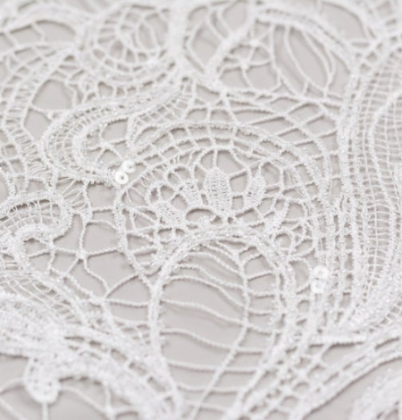 Off white acrame beaded floral lace fabric. . Photo 3