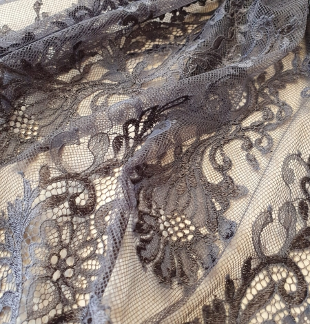 Greyish brown floral pattern chantilly lace fabric. Photo 3