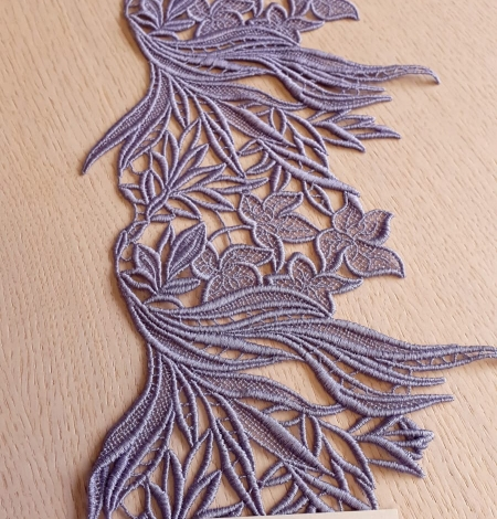 Lilac macrame lace trimming. Photo 3