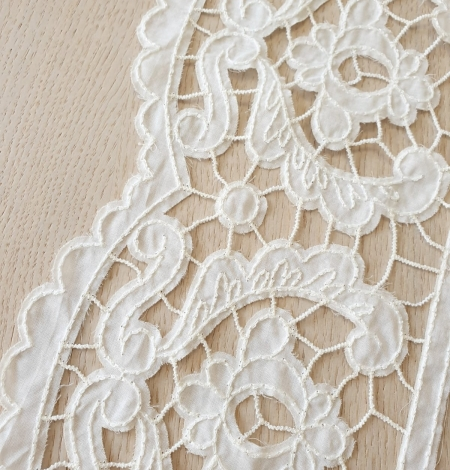 Ivory 100% cotton thicker thread guipure lace trimming. Photo 4