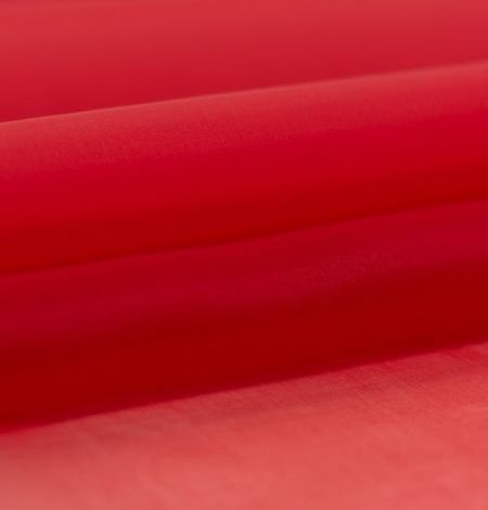 Red silk organza fabric . Photo 2
